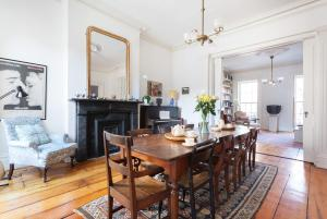 Five-Bedroom Apartment - Dean Townhouse