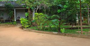 Paradise Guest House, Guest houses  Habarana - big - 71