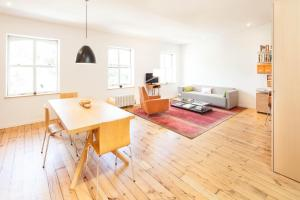 Two Bedroom Townhouse- Chelsea Square IV