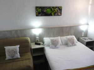 Single Room with 1 Double Bed (1 person)
