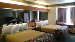 Deluxe Queen Suite with Two Queen Beds