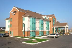 Photo of Admiral Inn Mississauga