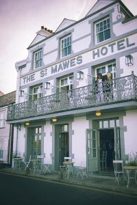 1 Commercial Rd, St Mawes, Truro TR2 5DN, England.