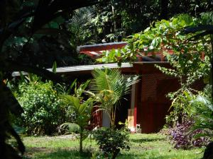One-Bedroom Bungalow (2 Adults)