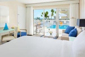 Superior King Room with Balcony - Partial Ocean View