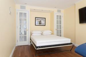 Five-Bedroom Apartment - Murray Hill Townhouse