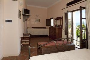 B&B Lavinium, Bed & Breakfasts  Scalea - big - 14