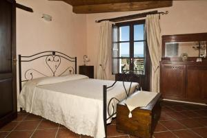 B&B Lavinium, Bed & Breakfasts  Scalea - big - 7
