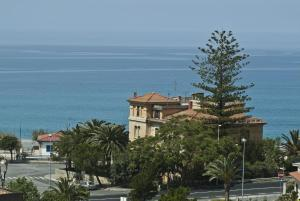 B&B Lavinium, Bed & Breakfast  Scalea - big - 3