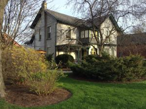 Photo of Legacy House Bed And Breakfast