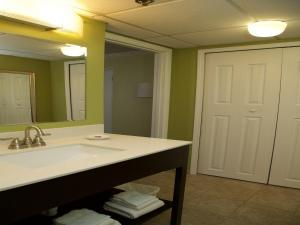 Deluxe Double Room with Private Bath