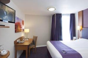 Premier Inn Belfast City Centre - Alfred Street - 16 of 21