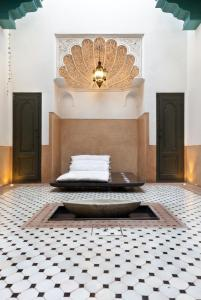 Riad Farnatchi - 12 of 29