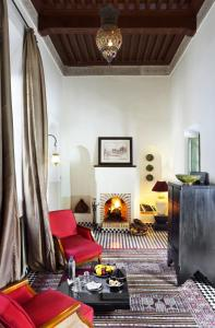 Riad Farnatchi - 18 of 29
