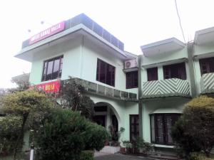 Photo of Hotel Sahaj Villa
