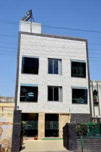 Photo of Hotel Heera Continental