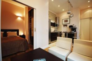 Photo of Apartment Jean Du Bellay   2 Adults