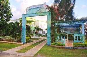 Photo of Mom's Village Resort