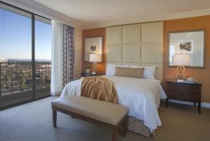 Coastal View Corner Suite