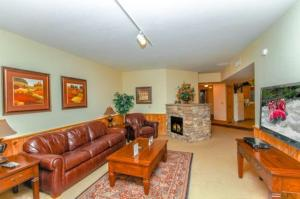 Two-Bedroom Apartment - Hillcrest Unit