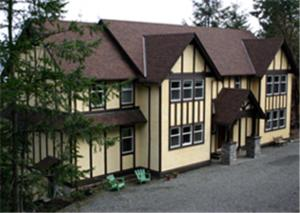 Chemainus Tudor Inn Bed & Breakfast