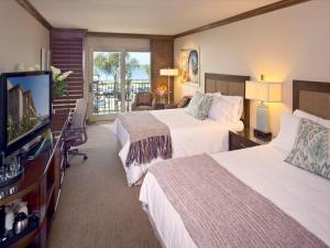 Queen Room with Two Queen Beds with Water View