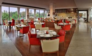 Four Points by Sheraton New Delhi, Airport Highway, Hotels  New Delhi - big - 15