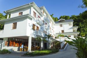 Photo of Hilltop Boutique Hotel