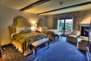 Standard Queen Room with Two Queen Beds - Guest House