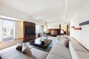 Executive King Tower Suite
