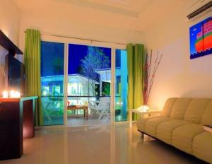 The One Cozy Vacation Residence, Hotels  Chalong  - big - 3