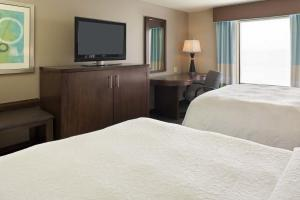 Queen Room with Two Queen Beds - Disability Access Hearing Accessible/Accessible Tub - Non-Smoking
