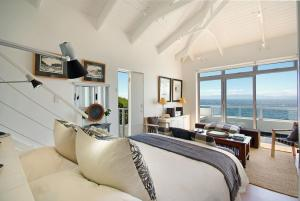 Junior Suite with Sea View 2