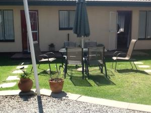 Sunflowers Guesthouse, Penziony  Kempton Park - big - 14