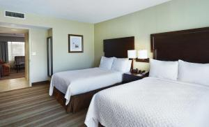One-Bedroom Premium Suite with Two Double Beds