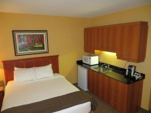 Familly Suite with Two Queen Beds and Kitchennette