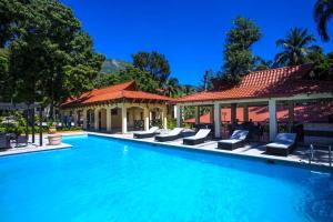 Haiti hotels offering free breakfast lonely planet for Garden pool haiti