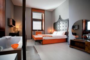 Orange Hotel - abcRoma.com