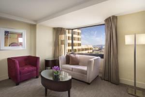 Junior King Suite with Skyline View