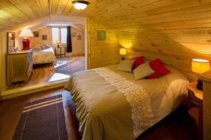 One-Bedroom Chalet with Forest View