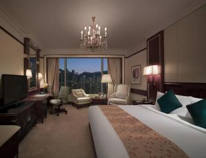 Deluxe Double or Twin Room with Peak View