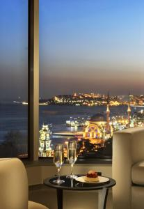 Corner Room Bosphorus View