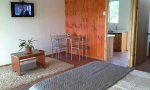 One-Bedroom Bungalow (2-3 Adults)