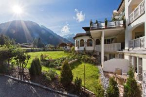Photo of Apartments Sonn Alm