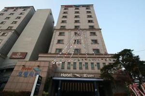 Photo of Hotel River