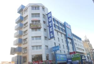 Photo of Seven Days Hotel
