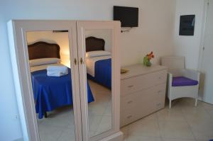 B&B Le Tre Stelle, Bed and Breakfasts  Milazzo - big - 4