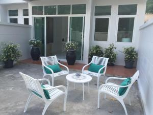 Photo of Cozy Terrace House Ratsada, Phuket