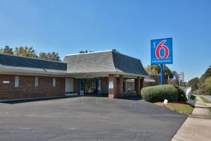 Photo of Motel 6 Tallahassee   Downtown