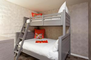 The Garland - 28 of 43